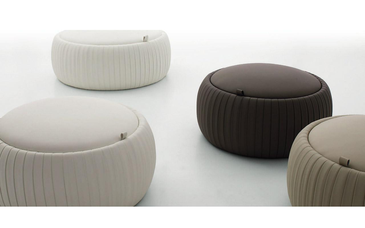 Mobili ingresso tonin tavolo capri tonin casa arredare for Complementi d arredo moderni per soggiorno